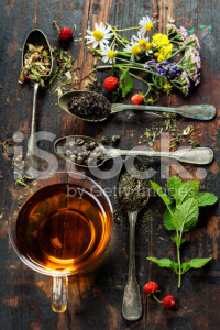 stock-photo-42585320-black-green-and-herbal-tea